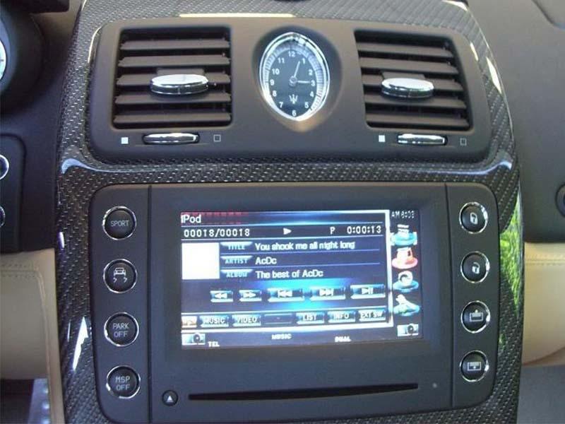 code auto radio
